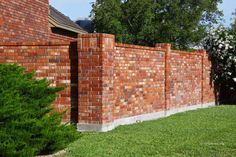 Fantastic wooden fence panels,Front yard fence between neighbors and Backyard fence replacement. Garden Fence Panels, Fence Plants, Front Yard Fence, Fenced In Yard, Low Fence, Vine Fence, Lattice Fence, Brick Fence, Concrete Fence
