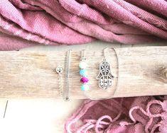Collier Namasté, chaîne argent, acier inoxydable, perles violet, mauve et bleu, breloque main de fatima, mille et une nuits, pour femme