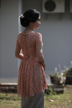 dresses hijab peach New dress brokat peach ideas New dress brokat peach ideas Kebaya Pink, Kebaya Lace, Kebaya Hijab, Kebaya Dress, Batik Kebaya, Kebaya Muslim, Tulle Skirt Bridesmaid, Modest Bridesmaid Dresses, Modest Dresses