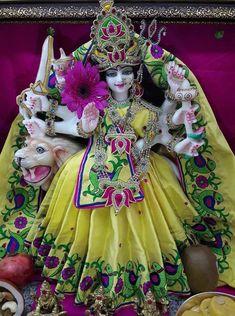 Navratri Devi Images, Navratri Pictures, Durga Maa, Shiva Shakti, Krishna Bhagwan, Ambe Maa, Mata Rani, Jumpsuits For Girls, Goddess Lakshmi