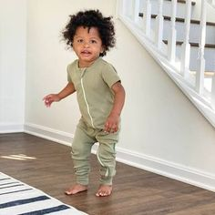 PARADE (@paradeorganics) • Instagram photos and videos Baby Photos, Your Photos, Baby Wearing, Capri Pants, Photo And Video, Videos, How To Wear, Instagram, Fashion