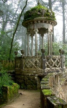Garden Pavilion in Quinta da Regaleira Palace, Sintra, Portugal : My favourite place to visit in Portugal, it's like a real life Lothlórien.