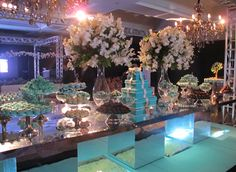 festa tiffany & co - Pesquisa do Google July Wedding, Wedding Pics, Wedding Venues, Tiffany Party, Wedding Decorations, Table Decorations, Cake Table, House Party, Holidays And Events