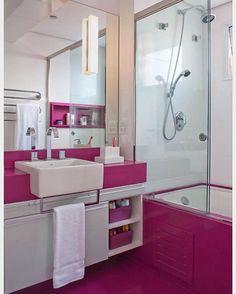 Que tal decorar o banheiros para as meninas na cor pink!? Alem de deixa-lo cheio de personalidade,...