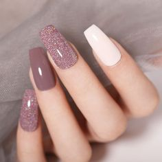 New Arrival🎉Colorful Holographic Dipping Nail Powder😍 Do you like them? - Care - Skin care , beauty ideas and skin care tips Stylish Nails, Trendy Nails, Cute Nails, My Nails, Sns Dip Nails, Bio Gel Nails, Dip Nail Colors, Sns Nails Colors, Gel Powder Nails