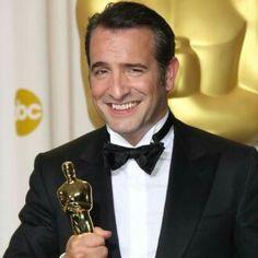 Jean Dujardin, ganador del Oscar como mejor actor protagónico en el 2012 por la película The Artist. El actor francés nació en 1972 y en la actualidad tiene 43 años de edad