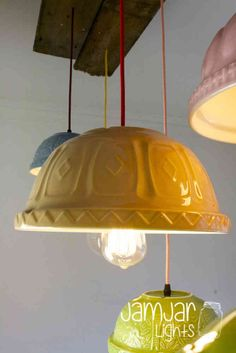 Vintage styled fabric flex in a wide range of colours and filament light bulbs. Decorating Tips, Decorating Your Home, Chandeliers, Funky Kitchen, Kitchen Ideas, Grand Designs Live, Light Of Life, Farmhouse Lighting, Do It Yourself Home