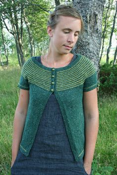Daffodil :: the short-sleeved version by nasseknits, via Flickr