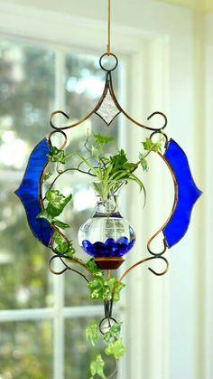Lovely Hanging Water Garden