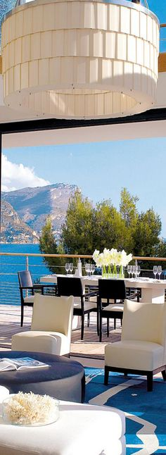 Villa O, a luxury villa located in St. Jean Cap Ferrat, in southeastern France    LOLO