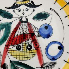 Darling - Stavangerflint Scandinavian, Snoopy, Fictional Characters, Art, Tiles, Porcelain Ceramics, Art Background, Kunst, Performing Arts