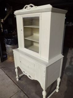 Detroit: Old China Curio Cabinets $175 - http://furnishlyst.com/listings/6307