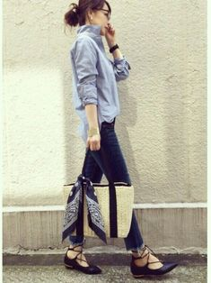 58 Smart Casual Style Ideas For Teen Girls - Global Outfit Experts Denim Fashion, Fashion Pants, Girl Fashion, Fashion Outfits, Womens Fashion, Fashion Trends, Woman Outfits, Japan Fashion, Daily Fashion