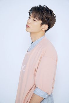 170519 Vyrl - HIGH CUT197 #MINHO