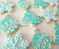 Beautifully Decorated Holiday Cookies #snowflakes  #ornament #aqua #christmas