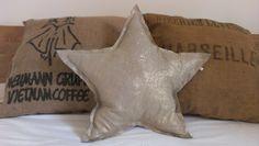 Coussin étoile en lin or froissé fait main -  Pillow star in gold linen DIY