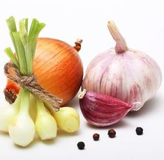 Onions and Garlic Make Popular Cold Remedies Home Remedy - The People's Pharmacy®
