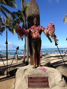 Duke Kahanamoku statue in Waikiki, Oahu, Hawaii