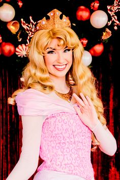 If you're staying in one of the hotels in Orange County, then be sure to drop by #Disneyland and meet your favorite princess in person.