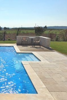 Abdeckplatten Für Pool Und Terrassenplatten Aus Travertin Medium Great.  #wohnrausch #travertin #natursteine