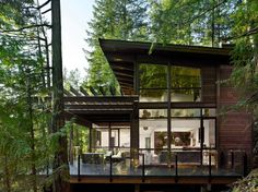 Prefab Gambier Island House in Canada designed by Turkel Design Lindal Cedar Homes, Design Exterior, Rustic Exterior, Modern Exterior, Casas Containers, Forest House, House Trees, Mountain Homes, Modern Mountain Home