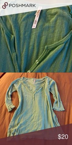 """Aeropostale Sz L """"Handle with Love"""" Top EUC!  Aeropostale Sz L """"Handle with Love"""" 3/4 length sleeves light summer tee.  All my items are from a smoke free home and offers are always welcome🛍🌞🛍 Aeropostale Tops"""