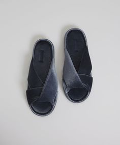 Crossover velour slides, - House slippers made from dark blue velour. Extra cushioned rubber sole for added comfort. Height of sole 1 cm. - Find more trends in women fashion at Oysho . Cute Slippers, Felted Slippers, Crocheted Slippers, Winter Shoes, Summer Shoes, Girls Shoes, Baby Shoes, All About Shoes, Kinds Of Shoes