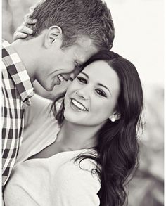 18 Poses For Your Engagement Photos - Mon Cheri Bridals