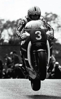 Habermann & Sons Classic Motorcycles and more: Photo Racing Motorcycles, Motorcycle Bike, Motorcycle Events, British Motorcycles, Classic Motorcycle, Vintage Motorcycles, Valentino Rossi, Grand Prix, Xtreme Sports
