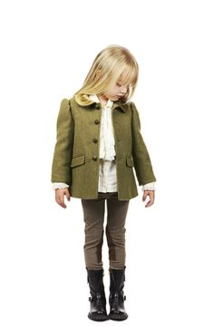 Ralph Lauren Equestrian Style for little ladies Little Girl Outfits, Cute Outfits For Kids, Tween Fashion, Girl Fashion, Super Moda, Equestrian Style, Equestrian Fashion, Outfits Niños, Ralph Lauren Kids
