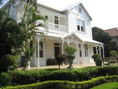 Houses For Sale in Berea (KwaZulu-Natal). View our selection of apartments, flats, farms, luxury properties and houses for sale in Berea (KwaZulu-Natal) by our knowledgeable Estate Agents. Durban South Africa, Dutch House, Colonial Style Homes, Kwazulu Natal, Pretoria, Classic House, My Dream Home, Future House, Beautiful Places
