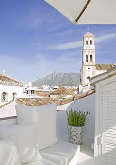 Emmy DE * The rooftop terrace of The Townhouse Hotel in Old Town Marbella, Spain. It is simply stunning. Marbella Old Town, Marbella Spain Hotels, Malaga, Beverly Hills, Places To Go, Places To Travel, Nerja, Cities, Spain And Portugal
