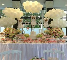 Baby shower tablescape with balloon clouds Baby Shower Brunch, Shower Party, Baby Shower Parties, Baby Shower Themes, Angel Baby Shower, Baby Boy Shower, First Communion Decorations, Baptism Decorations, Baptism Party