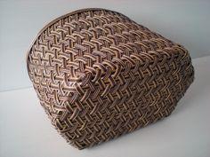 自然素材を活かした籠編みのHowTo、書籍のお役立ち情報紹介
