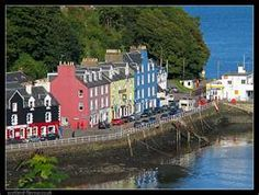 Tobermory, Isle of Mull, Scottish West Coast, home of Balamory Vintage Beach Photos, Places To Travel, Places To Visit, Isle Of Arran, Holiday Places, Scotland Travel, Beautiful Buildings, Dream Vacations, Wonders Of The World
