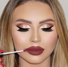 Jadey wadey ofra hypno lips burgundy gold eyes