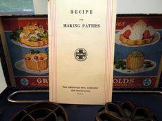 Vintage-Griswold-Cast-Iron-Patty-Mold-Scandinavian-Rosette-Cookies-Recipe-Book