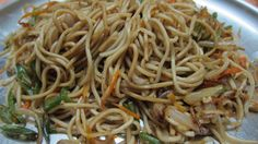 Golden Joy serves you delicious Veg Chowmein. Enjoy Your Dinner Filipino Recipes, Indian Food Recipes, Ethnic Recipes, Vegetarian Stir Fry Noodles, Veg Chowmein, Native Foods, Exotic Food, Spring Rolls, Healthy Life