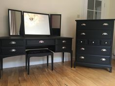 Dressing Table with matching Chest Stag Furniture, Upcycled Furniture, Bedroom Furniture, Painted Furniture, Furniture Ideas, Black Dressing Tables, Table Dressing, Dressing Table Upcycled, Home Decor Bedroom
