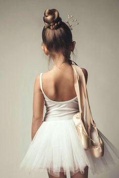 Ballet Pictures, Dance Pictures, Tutu, Ballet Barre, Ballet Dancers, Ballerinas, Baby Ballet, Ballet For Kids, Ballet Class