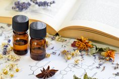 Botanical skin care recipes for natural beauty. Learn how to craft custom herbal skin care products for your natural skin care routine using botanicals, essential oils and other plant based ingredients. Essential Oils For Skin, Rose Essential Oil, Diy Skin Care, Facial Skin Care, Natural Oils, Natural Skin Care, Natural Beauty, Natural Face, Anti Aging