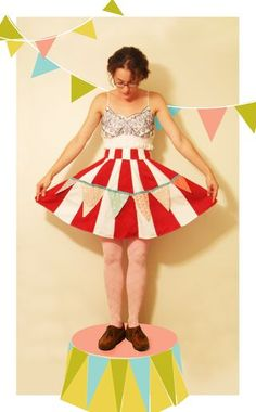 Circus Apron Challenge on Tie One On via Angry Chicken blog. I love this one sososososo much! I need one too!