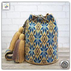 8 отметок «Нравится», 1 комментариев — Wayuu Bags &Bikini etc. (@wayuukiss) в Instagram: «Wayuu bag one strand รุ่น premium quality ⭕️Sold out⭕️ •ฐาน 8.5นิ้ว สูง 10.5นิ้ว •สายยาว 120 cm.…»