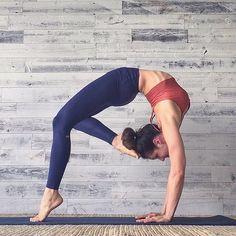 #dailyinspiration #bridgepose via @yoga.inspiration