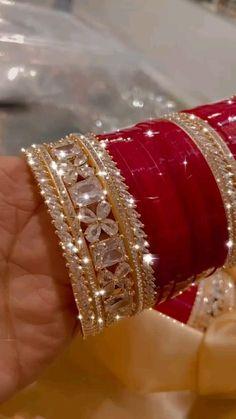 Bridal Jewellery Inspiration, Indian Bridal Jewelry Sets, Bridal Bangles, Indian Jewelry, Fancy Jewellery, Gold Jewellery Design, Trendy Jewelry, Jewelry Design Earrings, Bracelet