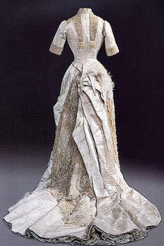 Dress worn by Maria Feodorovna, 1870's-80's