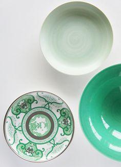 有田焼「弥左ヱ門窯」 Japanese Handicrafts, Kitchen Goods, Japan Design, China Painting, Japanese Pottery, Ceramic Design, Teller, Ceramic Pottery, Cool Kitchens