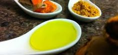A blend of olive oil and turmeric is one of the effectual home remedies for skin allergies as olive oil is rich in antioxidants and vitamin E which aid in comforting and healing skin irritations occurred due to allergies. Healthy Food Choices, Healthy Drinks, Healthy Tips, Healthy Recipes, Healthy Detox, Detox Drinks, Healthy Foods, Juicing For Health, Health Diet