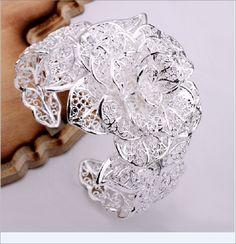 gorgeous rose bracelet. matches ring i bought!