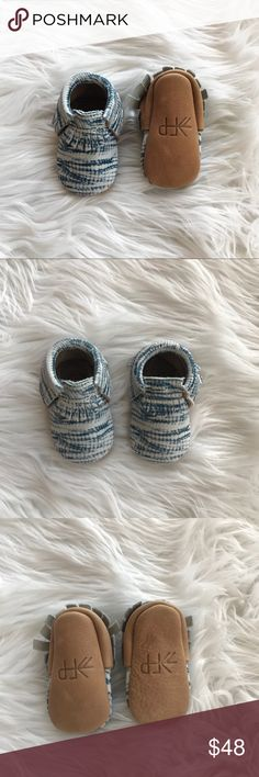 • Freshly Picked • Tie Dye Moccasins 2 Blue - Freshly Picked - Baby Moccasins  - Tie Dye Blue with Brown Sides and Bottom - Size 2 / 6 To 12 Months - New without Box - Leather Freshly Picked Shoes Moccasins